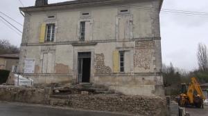 Huis voorkant afgebikt