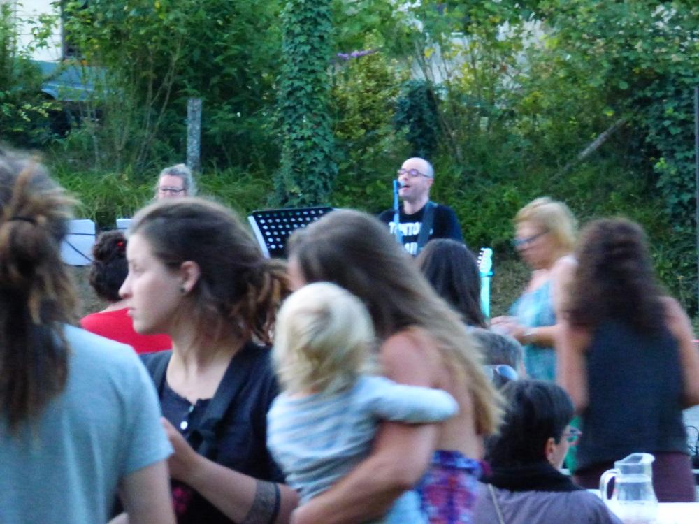 Vendredi 21 juin, Faites de la musique au Café  Pluche